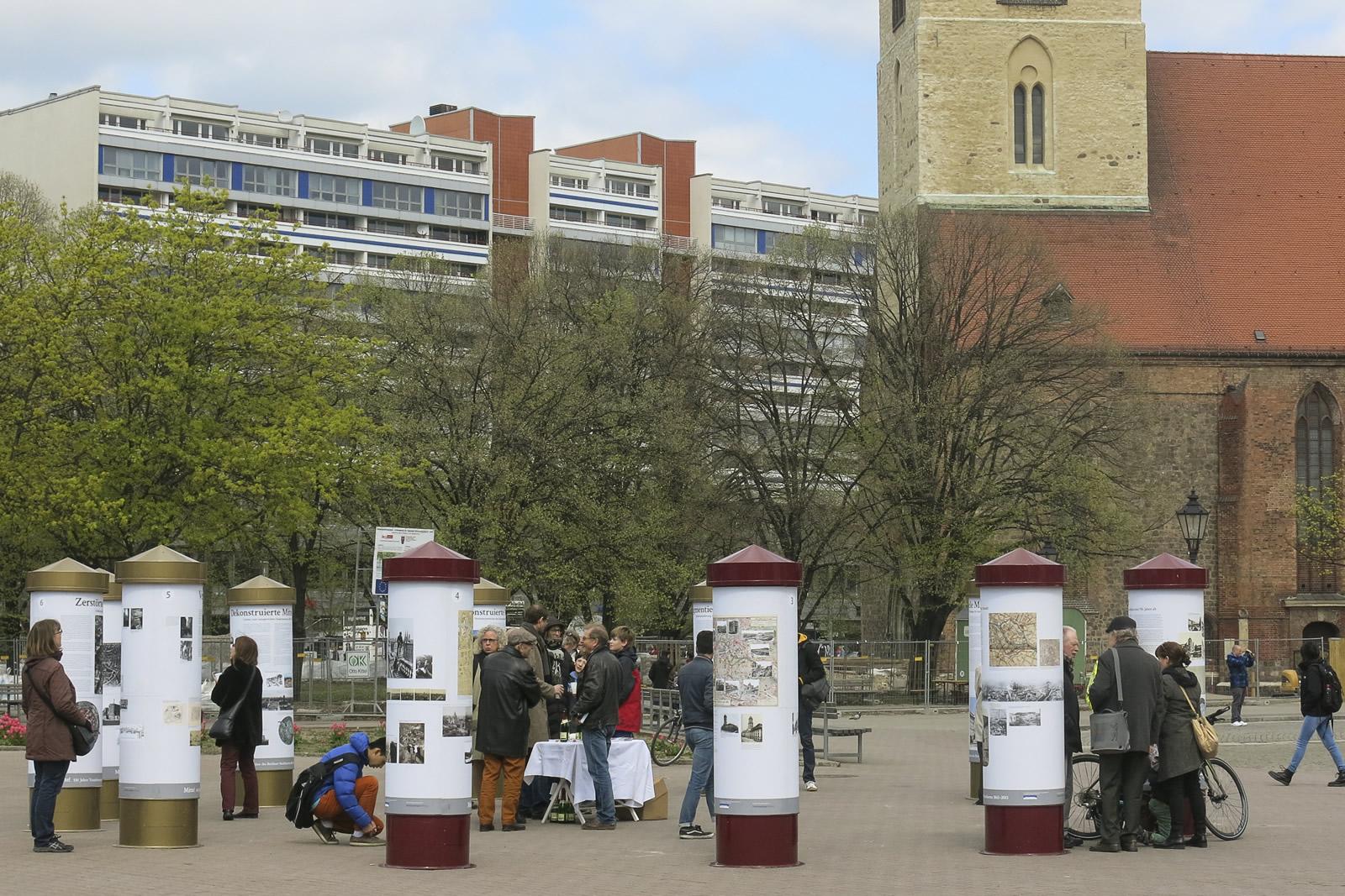 Eröffnung der Open-Air-Ausstellung Mitte!