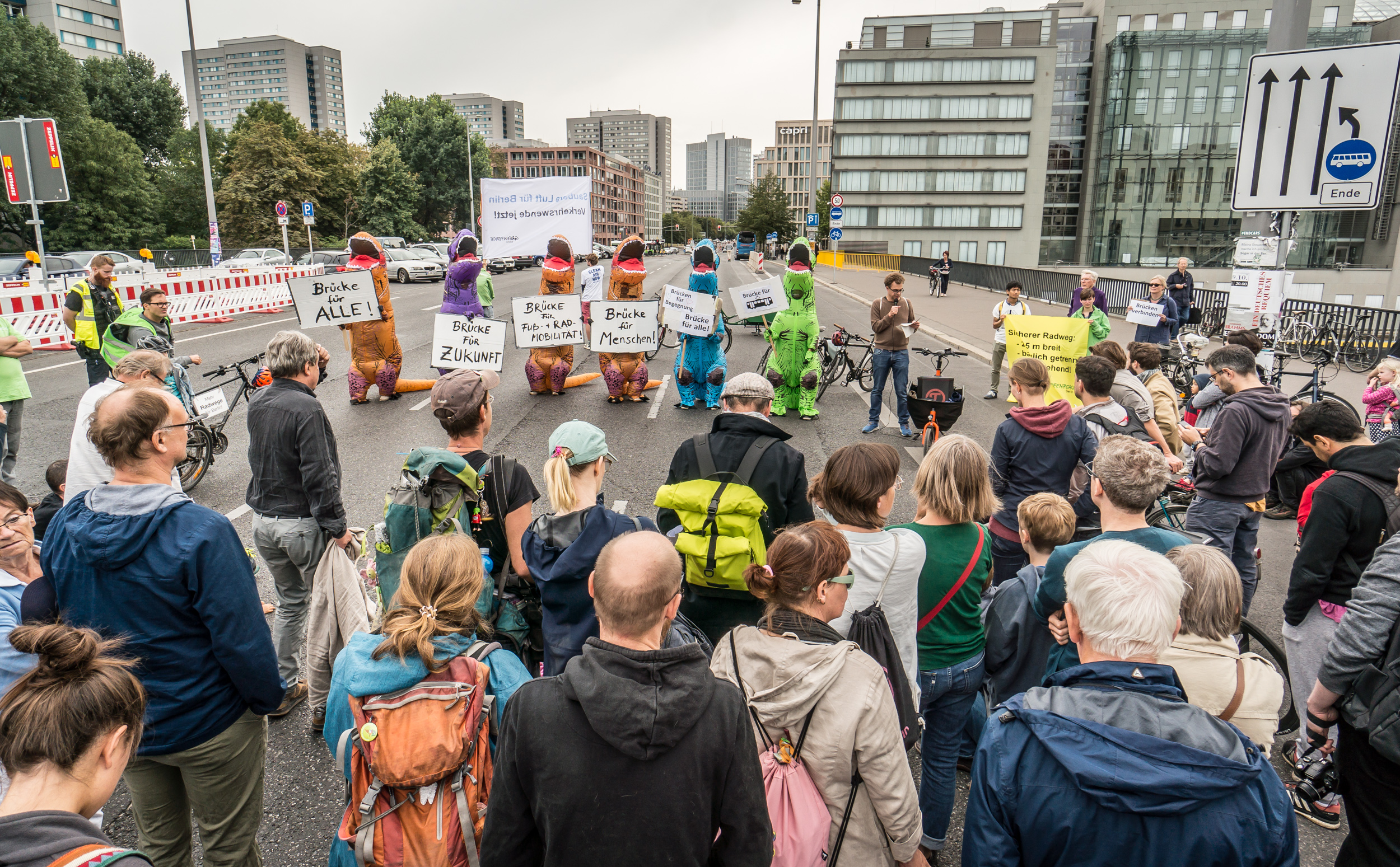Demo gegen den autogerechten Ausbau der Mühlendammbrücke. 7.9.2019, Changing Cities